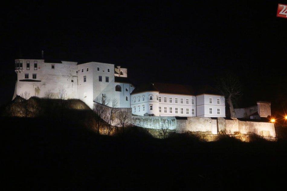 V OBRAZOCH: Krásy hradu Slovenská Ľupča