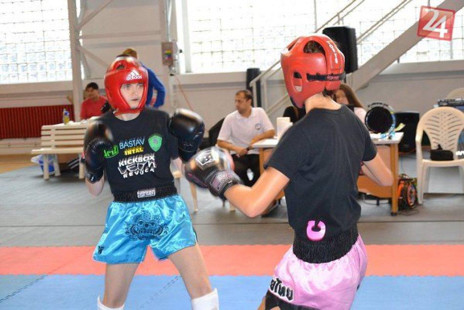 V OBRAZOCH: Medailová žatva mladých revúckych kickboxerov
