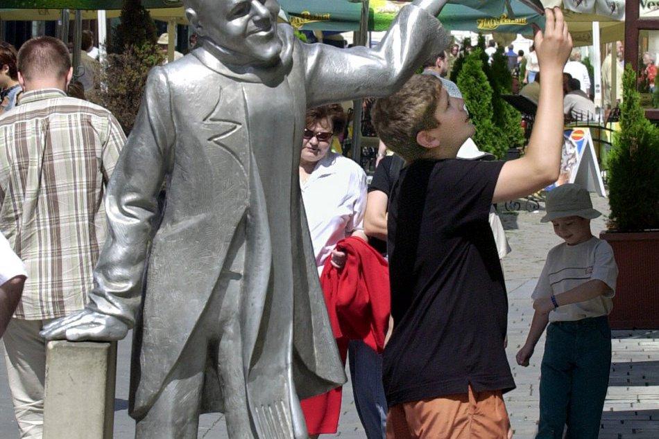 Juraj Meliš - autor sôch v centre Bratislavy