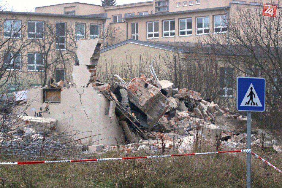 FOTO: Budova telocvične v Nitre zhorela do tla, hasiči zasahovali 15 hodín!