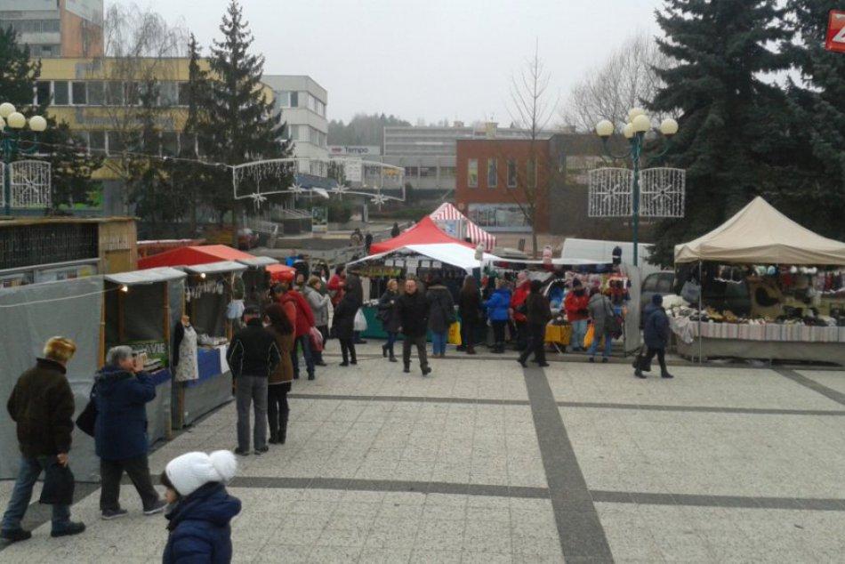 Vianočné trhy v Považskej Bystrici: Atmosféra pri kine Mier