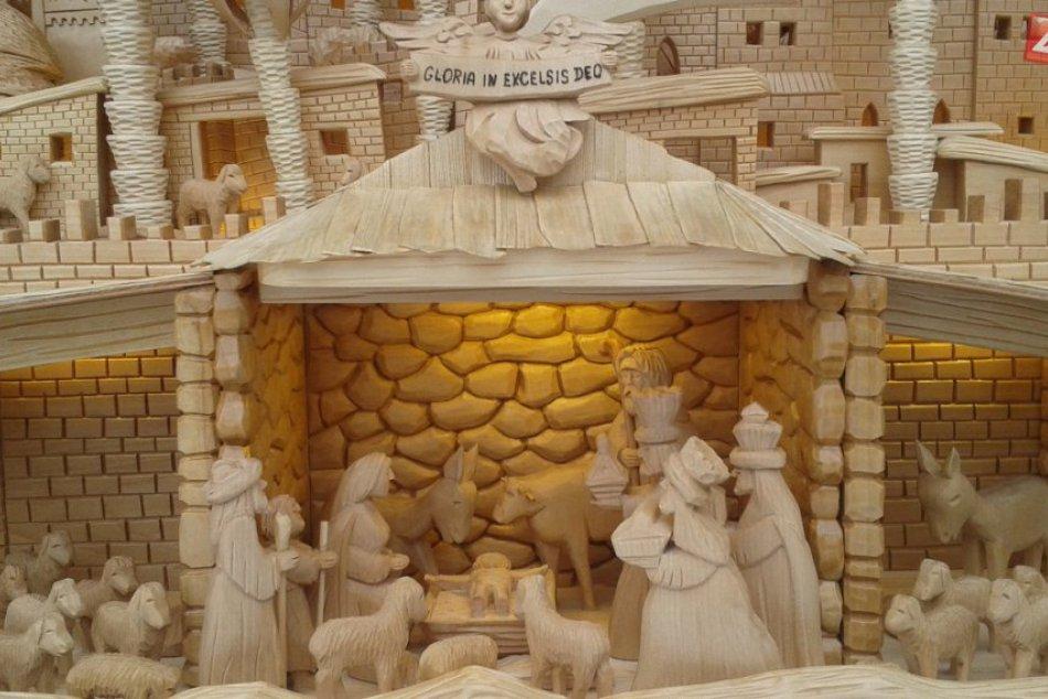 Ťahák vianočných trhov v Považskej: Betlehem Františka Staníka
