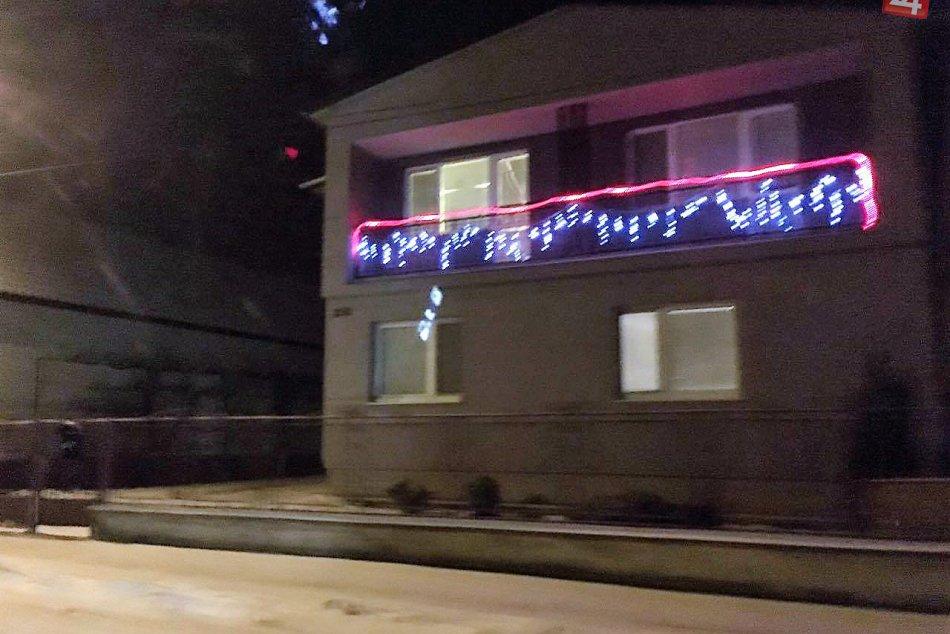 Fotky vianočnej svetelnej výzdoby v okolí Michaloviec