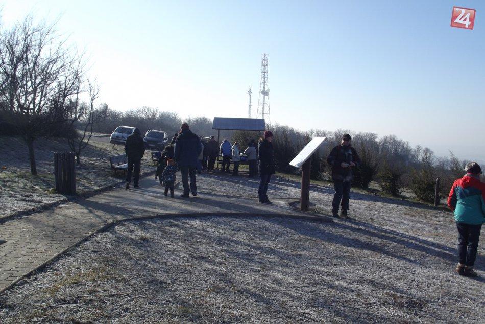 Fotogaléria: Silvestrovský výstup na Urbánok a Šianec ponúkol krásny výhľad