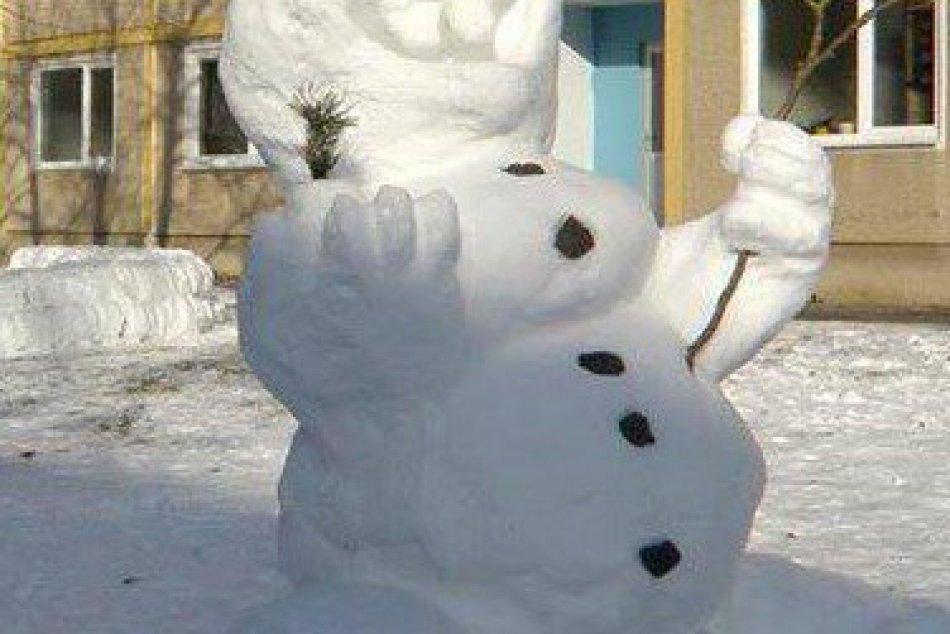 Utešené fotky z Michaloviec a okolia: Sledujte tých snehuliakov