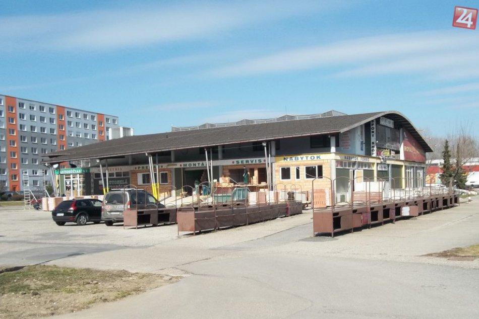 Zo šalianskej tržnice budú byty: Ich výstavba sa už začala
