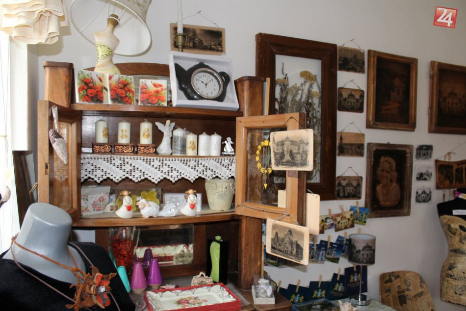 V OBRAZOCH: Malý obchodík v Haliči ukrýva prácu šikovných rúk Jany Kocúrovej