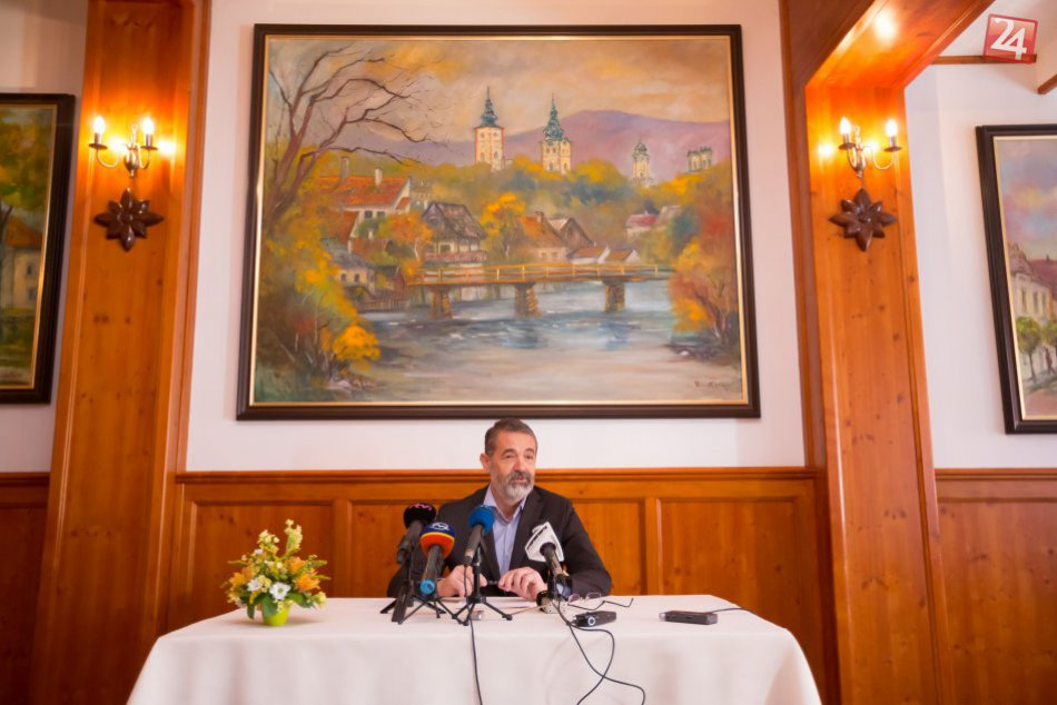 V OBRAZOCH: Ivan Saktor kandiduje na post predsedu BBSK