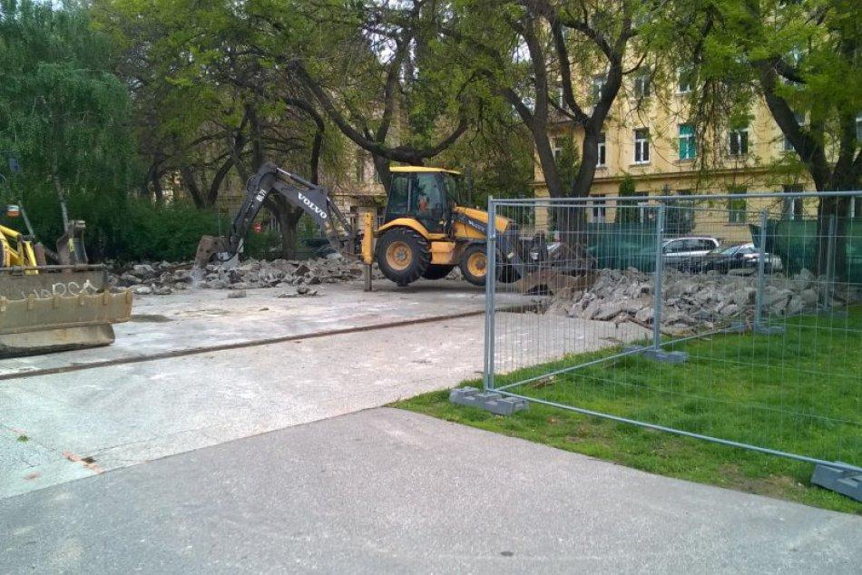 Začiatok budovania Landererovho parku