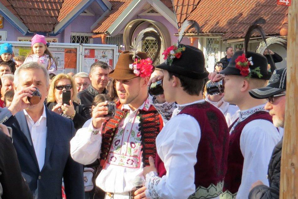 Pozrite si, ako vyzerali po minulé roky prvomájové oslavy v Michalovciach