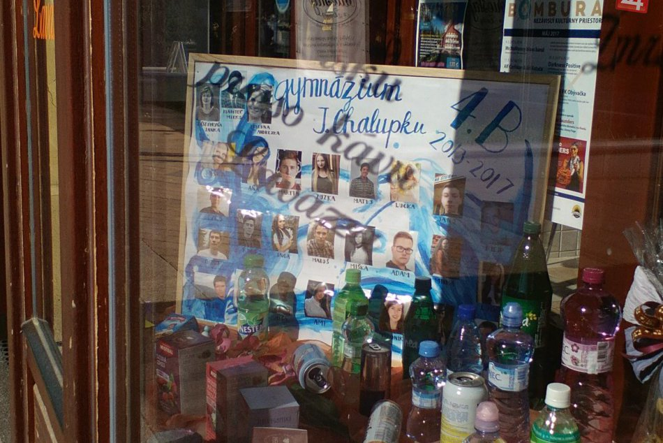 V OBRAZOCH: Tablá breznianskych maturantov