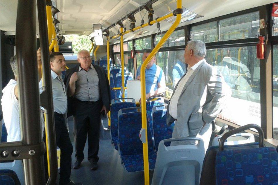 MHD v Považskej má nové autobusy: Toto sú oni!