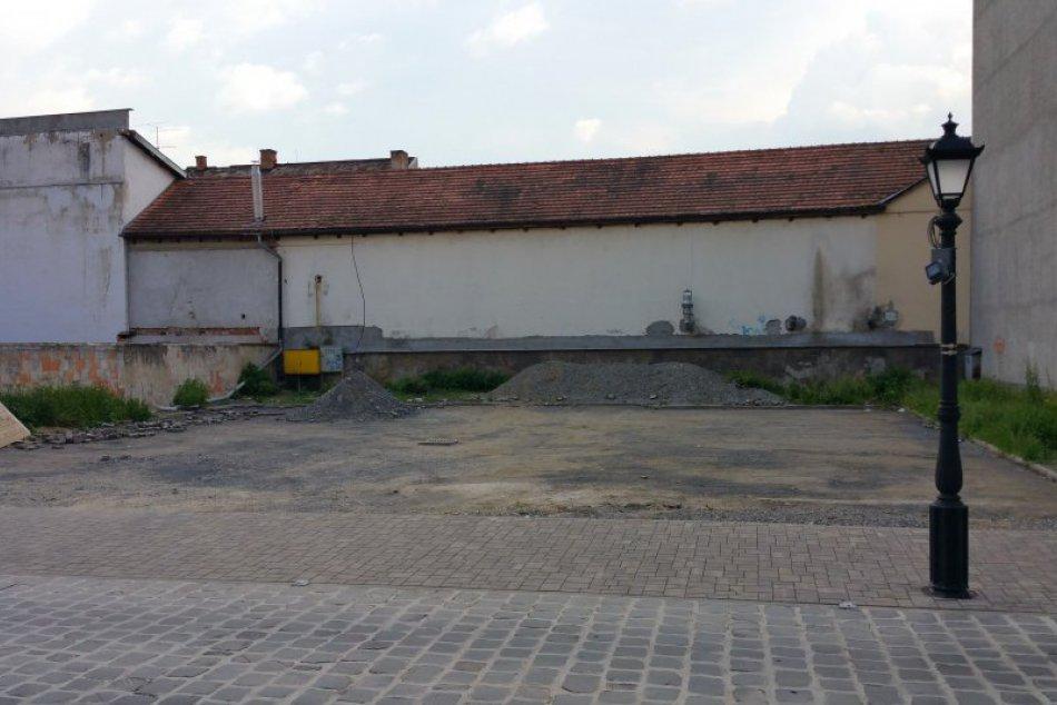 V OBRAZOCH: Lučenec revitalizuje okolie historickej radnice