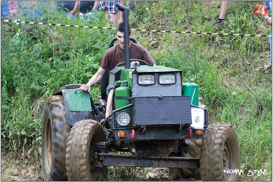 Traktorparáda v Hornej Marikovej: Zábery priamo z trate