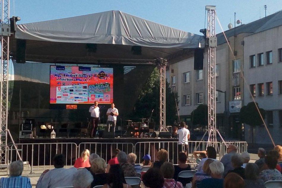 V OBRAZOCH: Zvolenské nedeľné korzo v znamení muzikálov