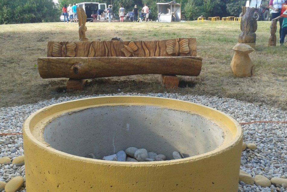 Rezbárske sympózium v Považskej: Na kalvárii vzniká oddychová zóna