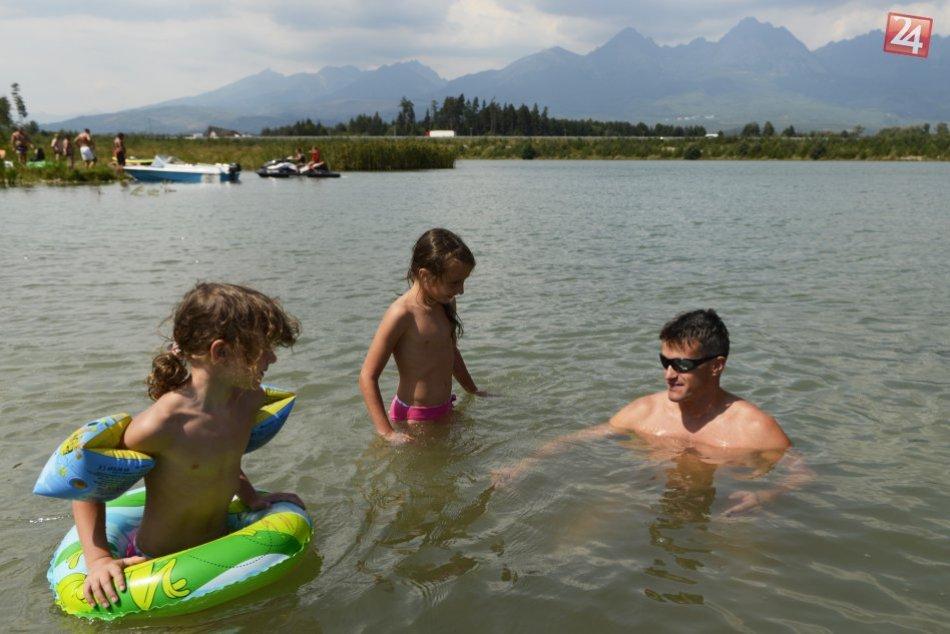 Kúpanie v prírodných vodných plochách