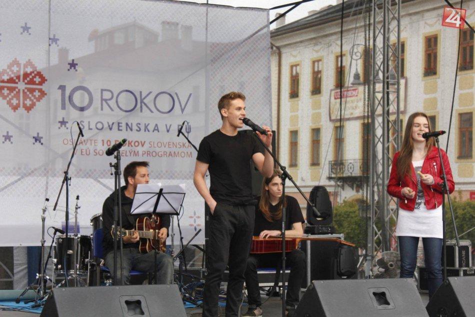 V OBRAZOCH: Mladý Bystričan Amos prespieval Shape of You od Eda Sheerana
