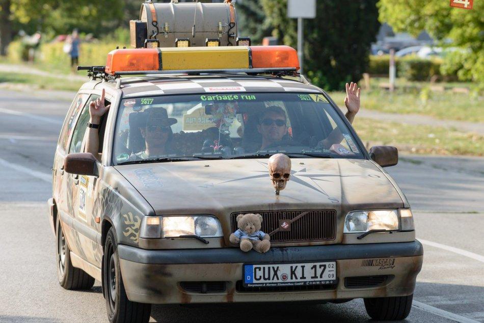 V Nitre sa zišli poriadne automobilové výstrelky: FOTO z Carbage run
