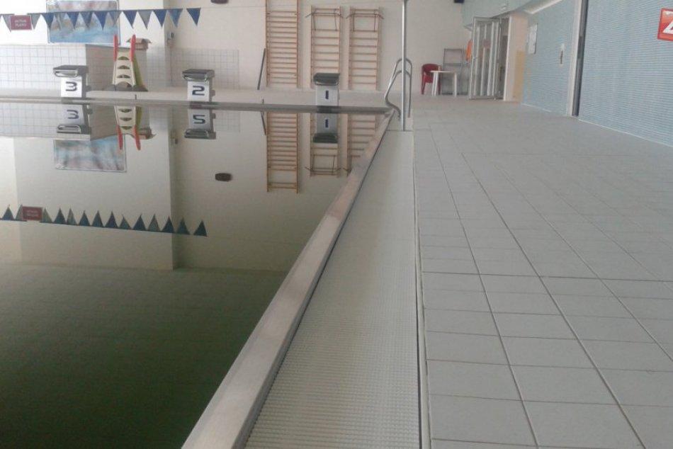 Havarijný stav na plavárni v Považskej: Pozrite, aké sú tam problémy