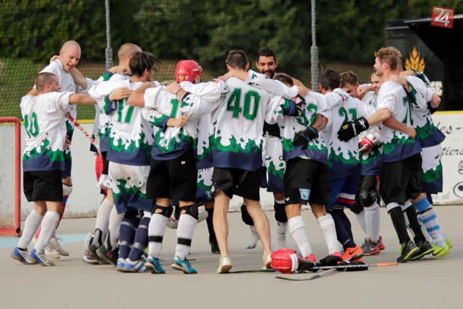 Novozámčania víťazmi hokejbalového turnaja vo Švajčiarsku