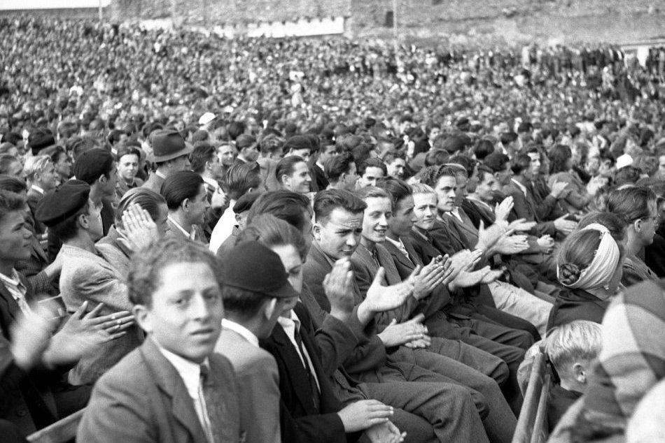 FOTO: Školská dochádzka počas minulého režimu