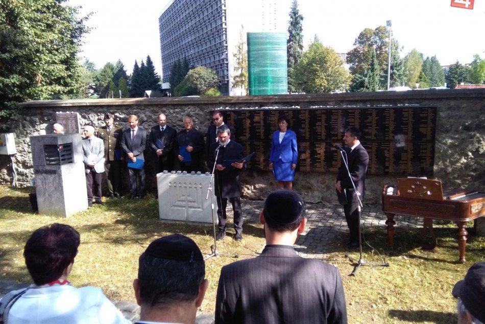 V OBRAZOCH: Na Židovskom cintoríne sú už aj tabule s menami záchrancov Židov