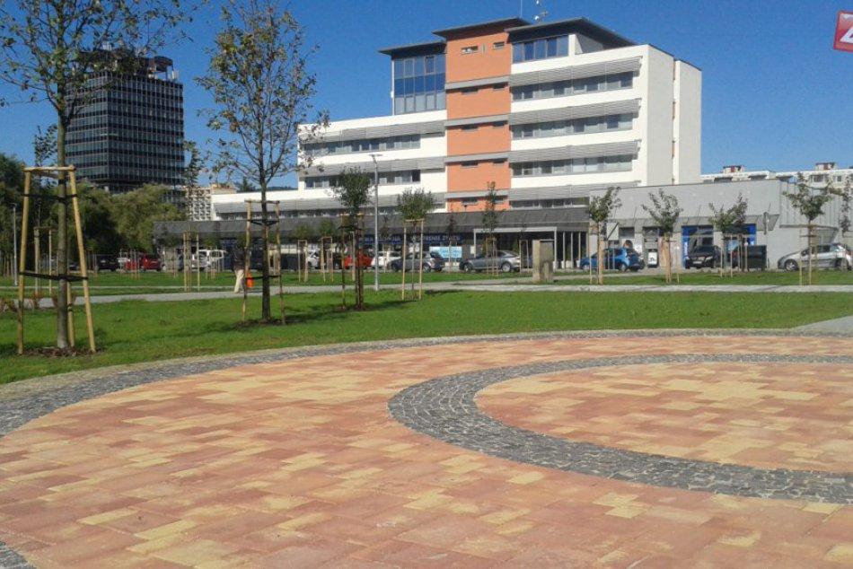 Centrálna mestská zóna v Považskej má novú tvár: Pozrite, čo pribudlo