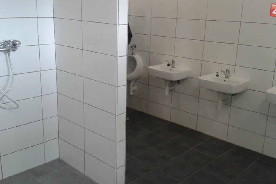 Zimný štadión v Považskej Bystrici: FOTO nových sociálnych zariadení