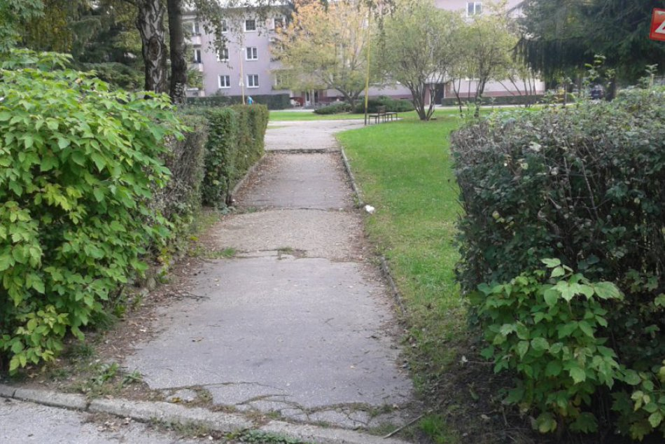 Považskobystrický Park Mládeže sa má revitalizovať: Pozrite, ako vyzerá aktuálne