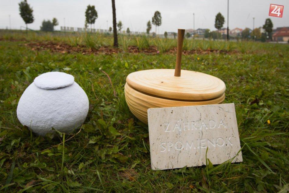 V OBRAZOCH: Prvý prírodný cintorín na Slovensku vyrástol vo Zvolene