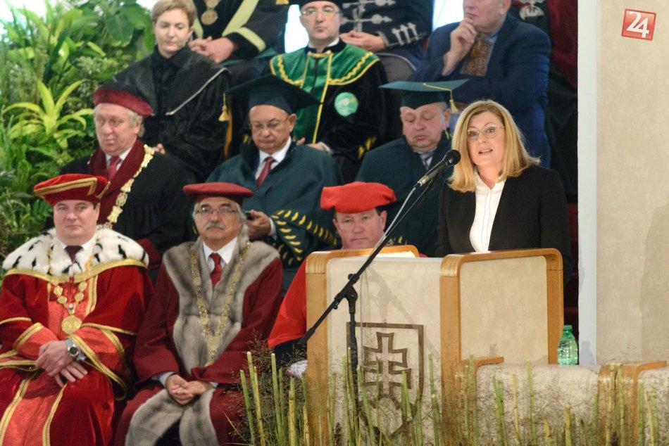 Študenti SPU v Nitre by sa podľa premiéra mali zamerať aj na klimatické zmeny