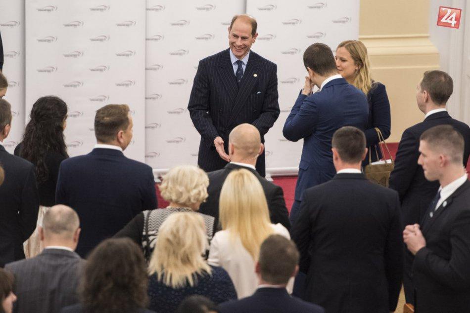 Na toto sa nezabúda: Mladí Slováci si prevzali ceny a stretli sa s princom Edwar