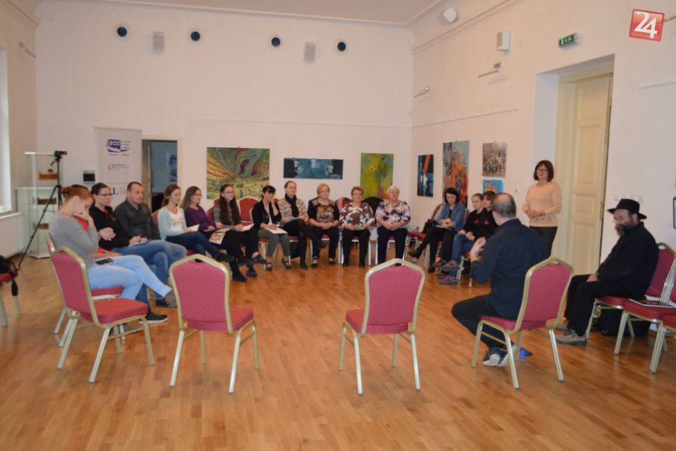 Obrazom: Metodické stretnutie folkloristov