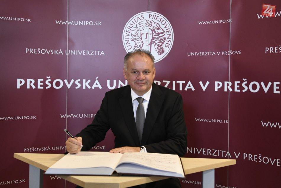 FOTOGALÉRIA: Prešovskú univerzitu v Prešove navštívila hlavu štátu
