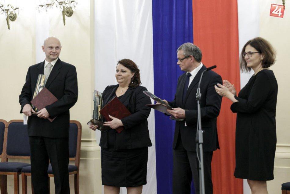 Slovenským vedcom sa dostalo pocty: Prebrali si Ceny za vedu a techniku