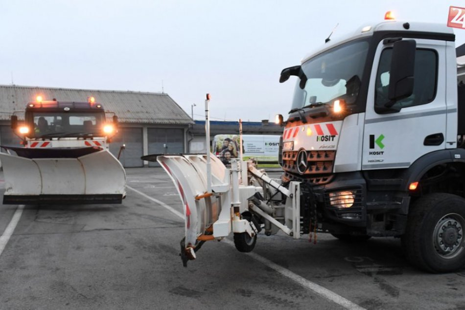 FOTO: Kosit má na zimnú údržbu pripravených 40 vozidiel