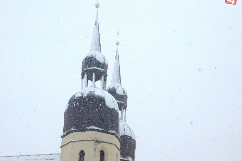 FOTO: V Trnave úradovala Perinbaba. Takáto krása nás ráno vítala!