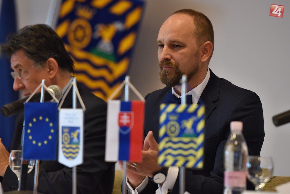 FOTO: Slávnostné zloženie sľubu nového predsedu TTSK Jozefa Viskupiča