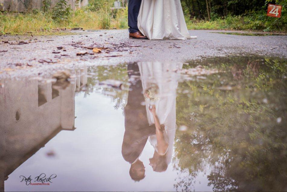 Svadobné snímky v neprívetivom počasí? Fotodôkazy z Prešova, že aj to ide