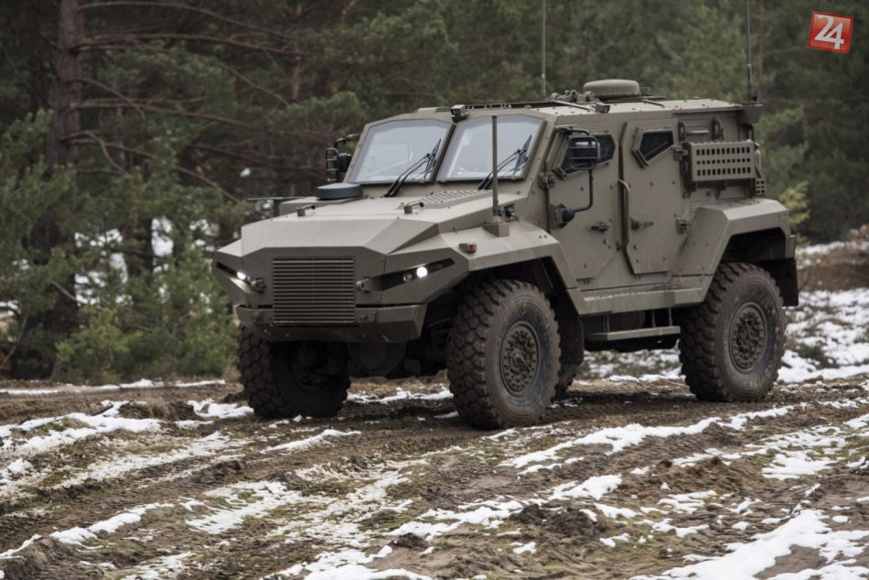 Ukázali prototyp obrneného vozidla, ktorý vyvíjajú Fíni v spolupráci so Slovákmi