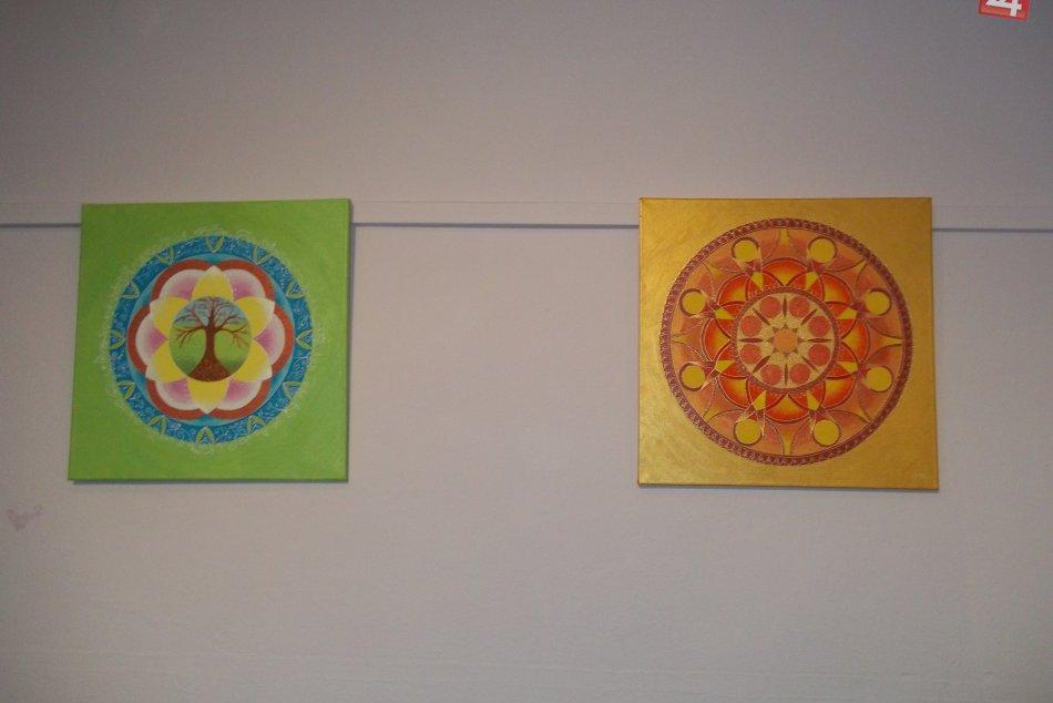 Vo Veči vystavujú mandaly, oplatí sa ich vidieť. FOTO