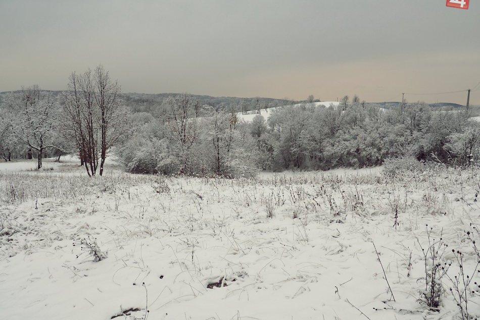 Obrazom: Zasnežená Silická ľadnica a okolie