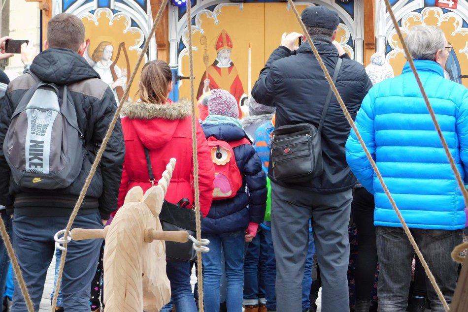 OBRAZOM: Prvé zábery Stredovekých vianočných trhov v Trnave