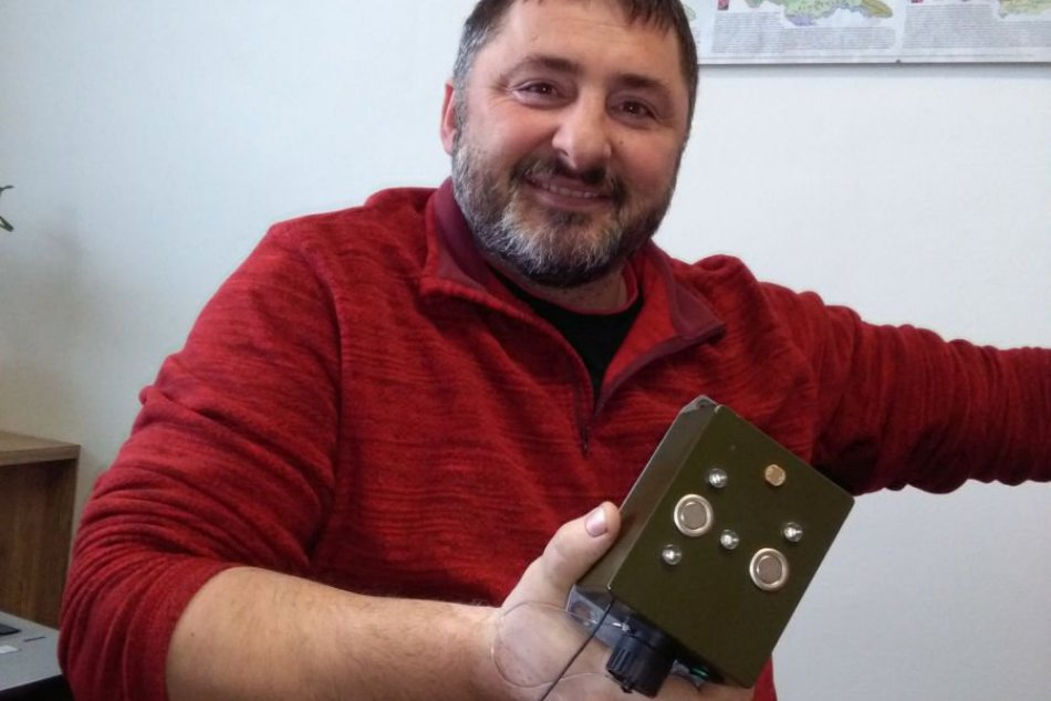 Slováci vymysleli unikátny prístroj: Včelstvá ochráni pred ich najväčším škodcom