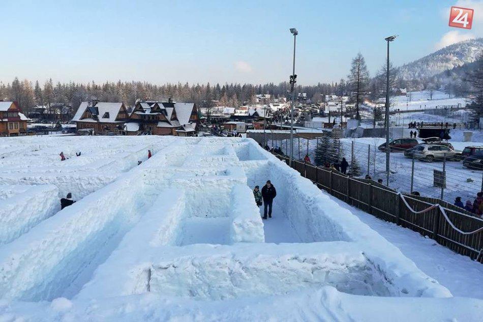 Snehový labyrint v poľskom Zakopanom
