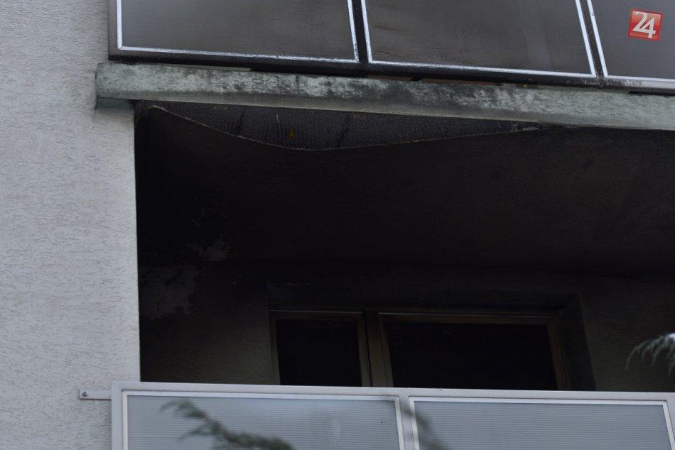 FOTO: V Trnave horel byt. Z bytovky museli evakuovať obyvateľov