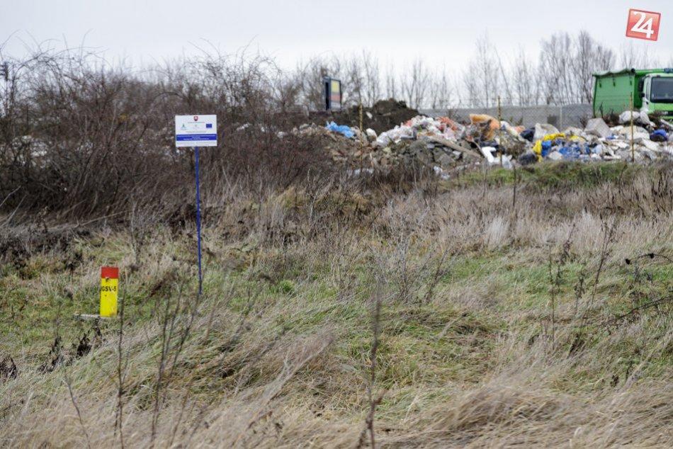 Skládka bývalých Chemických závodov Juraja Dimitrova vo Vrakuni
