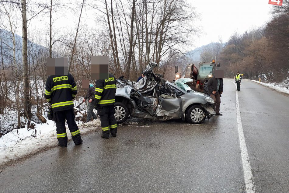 Obrazom: Dopravná nehoda pri Dobšinej