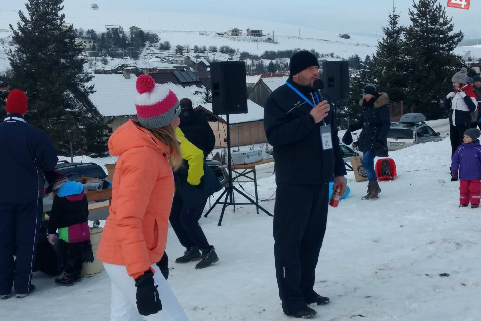 FOTOREPORTÁŽ:  Karneval na snehu ukončil fašiangové obdobie v Spišskej